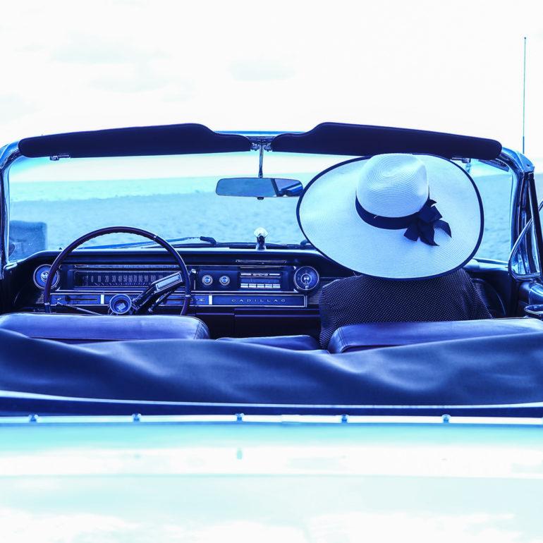 Jeremy De Backer JDB US Cliches LuNe Cadillac chapeau dos plage USA bleu